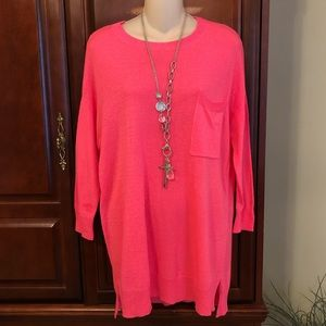 Gianni Bini pink tunic sweater with front pocket